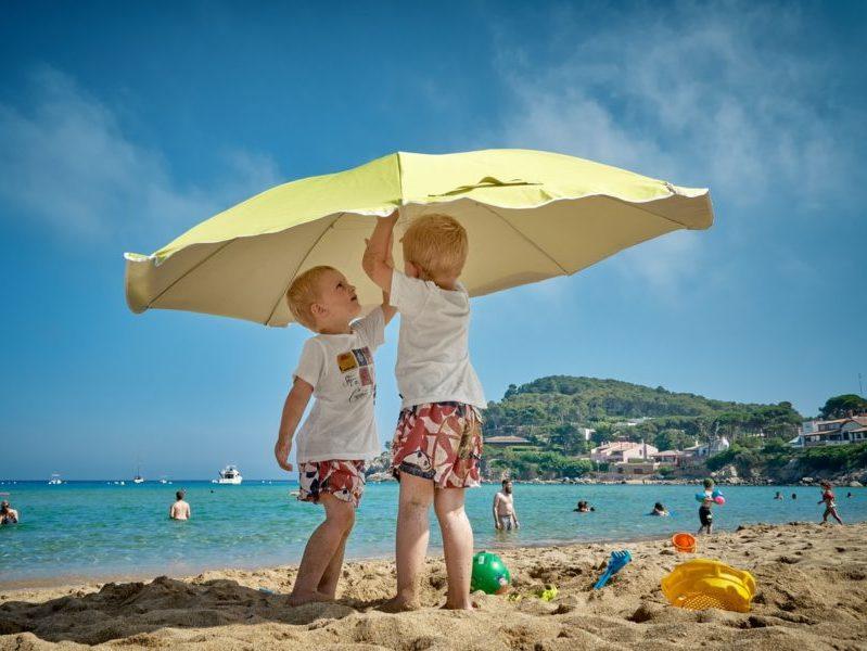 Enfants plage - assurance -covid